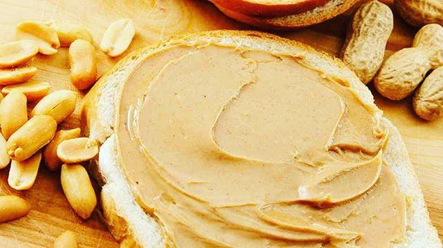 La mantequilla de cacahuete proporciona caloras ricos en nutrientes parahellip