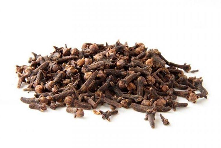 Los nutrientes que se encuentran en 100 gramos de clavohellip