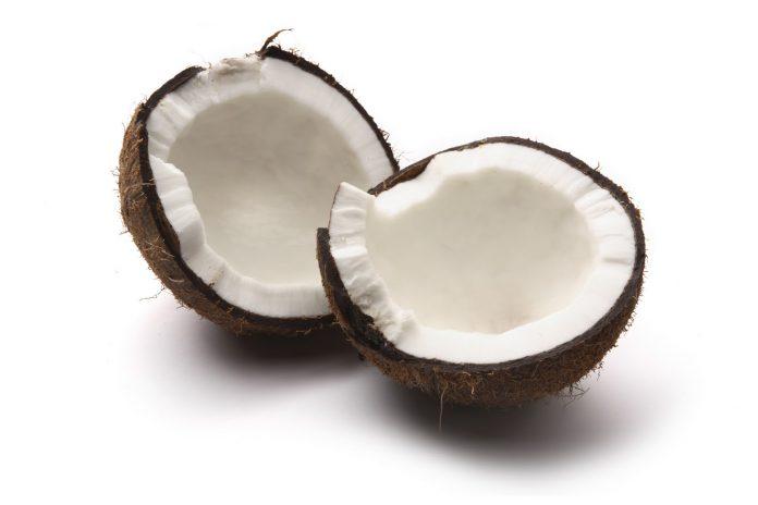 Coco crudo beneficioso para la salud